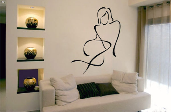 Идеи оформления стены над диваном