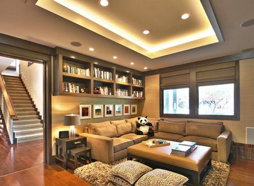 Использование неонового освещения на потолках
