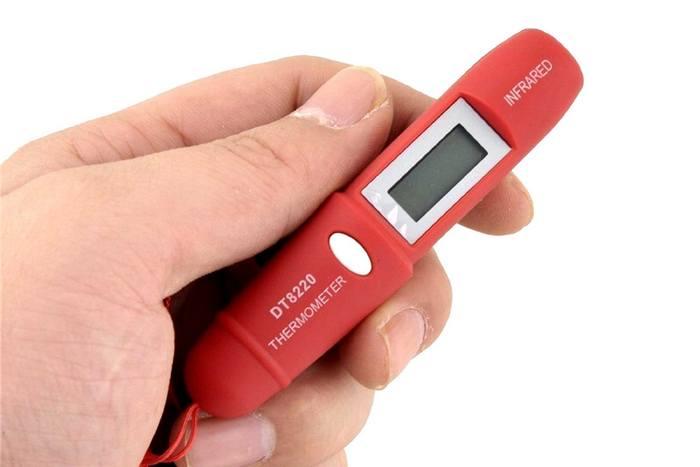Смешной кухонный гаджет: миниатюрный бесконтактный инфракрасный термометр.