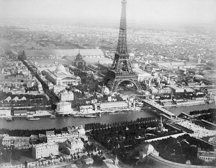 В 1889 году в Париже проходила Всемирная выставка