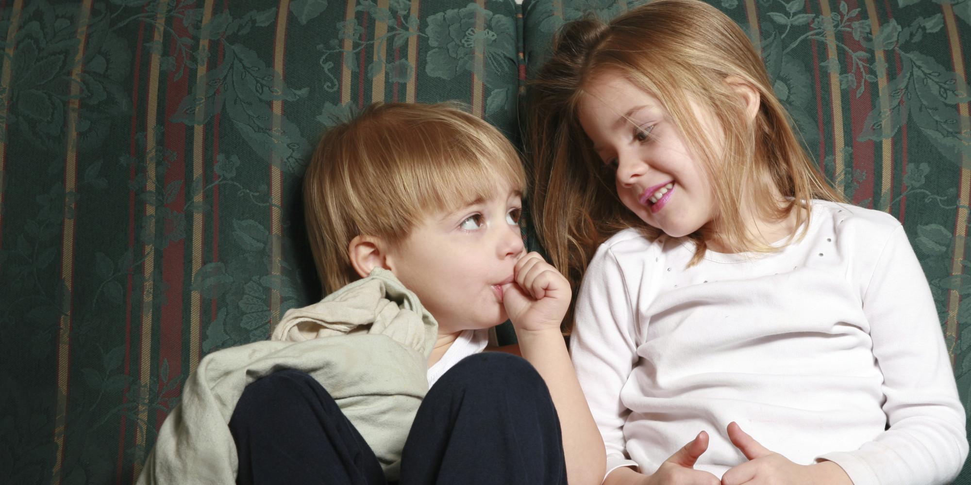 Смотреть онлайн сестра сосет хуй у брата, Сестра спалила брата смотреть онлайн в корошем 9 фотография