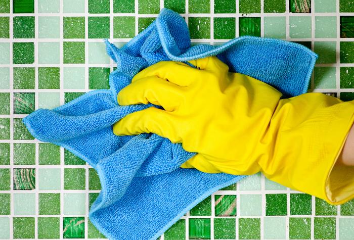Средство для чистки и дезинфекции кафеля.