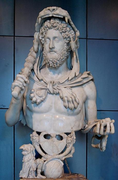 Бюст 18-ого римского императора Луция Элия Аврелия Коммода.   Фото: unnatural.ru.