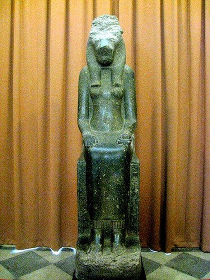 Кровавая богиня Мут-Сохмет