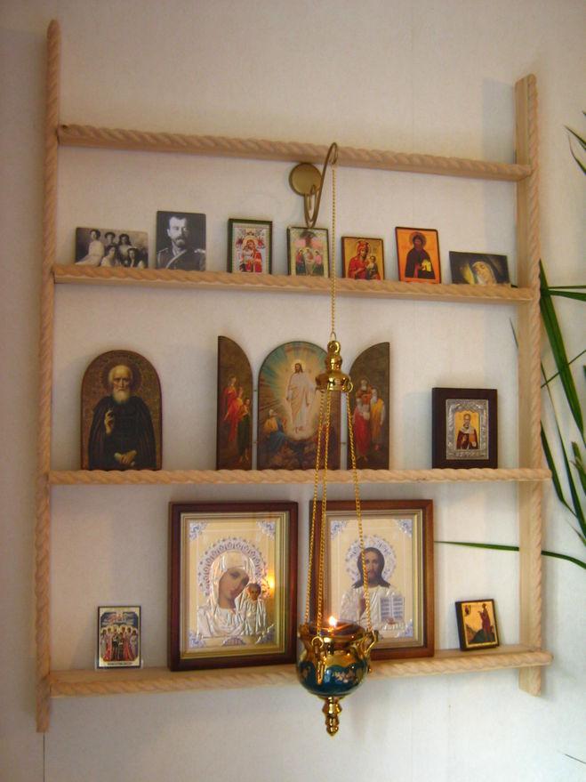 Где еще в доме должны быть размещены иконы?