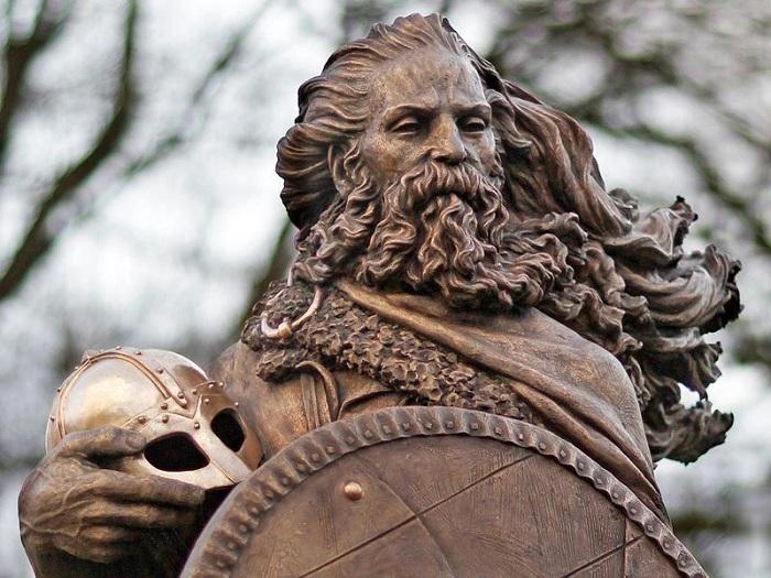 Статуя Харальда Прекрасноволосого.   Фото: cs8.pikabu.ru.