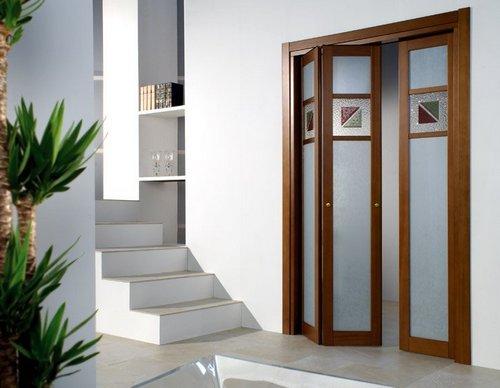 Складные двери-гармошка в интерьере