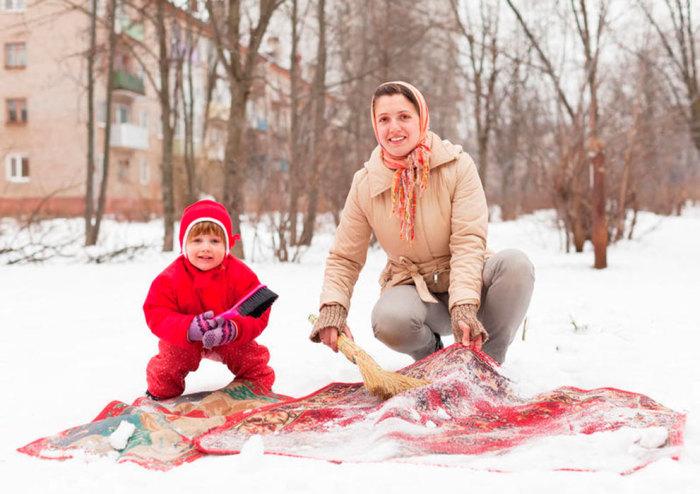 Пищевая сода для чистки ковров. /Фото: polsov.com