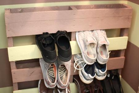 5 способов разместить летнюю обувь на время холодов фото 6