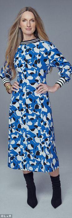 Платье с ботильонами на шпильке.