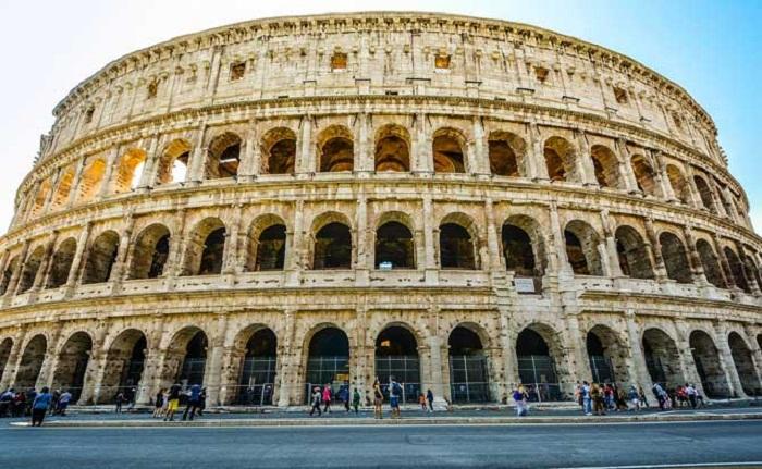 Так выглядит отреставрированный древнеримский амфитеатр Колизей.