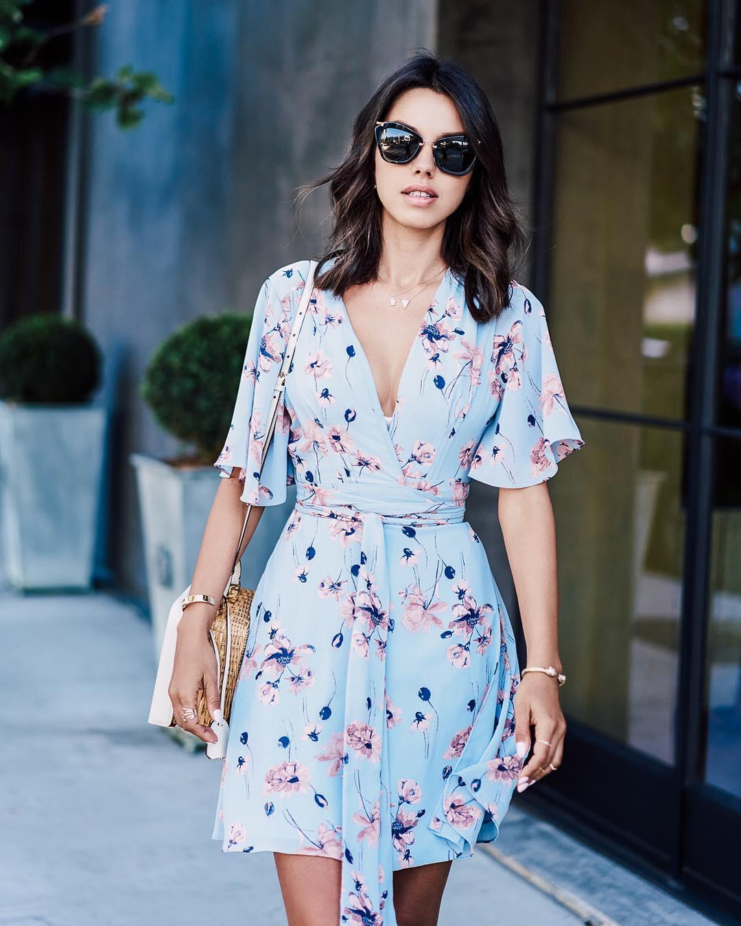 91573bffbfb Модные платья весна-лето 2018  популярные фасоны и 30 потрясающих ...