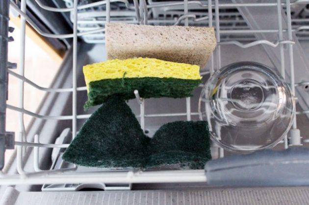Как пользоваться посудомоечной машиной: мыть губки