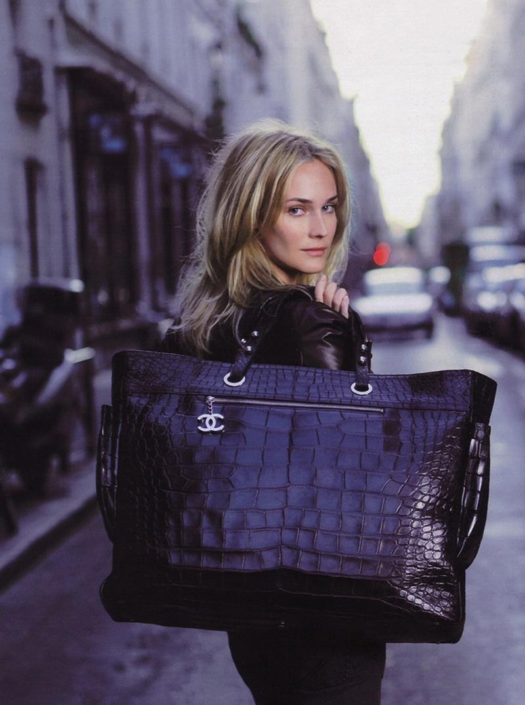 Реклама сумки шанель