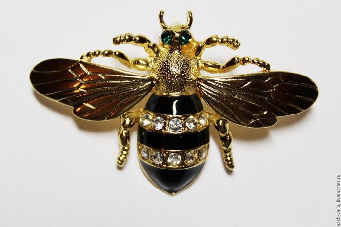 10. винтажная пчёлка (700x466, 235Kb)