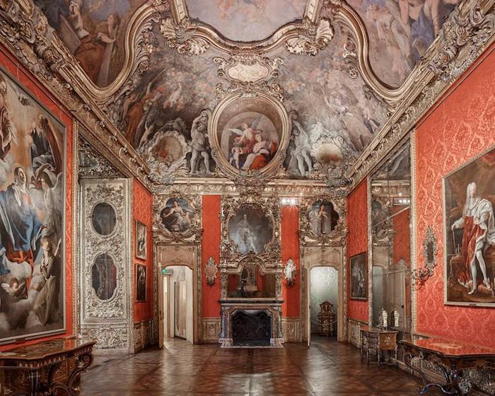 Палаццо Мадама, Турин, Италия, 2016. Фотоцикл от Давида Бардни (David Burdeny)