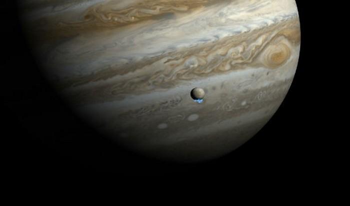 Спутник Юпитера Европа.