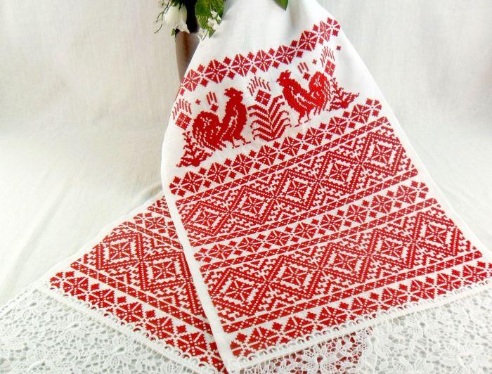 Расшитый красным рушник символизировал девичью честь. /Фото: on-woman.com