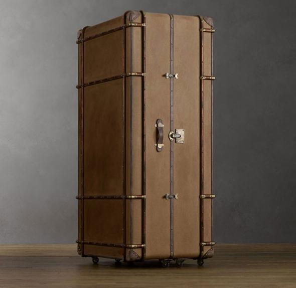 Шкаф из чемоданов