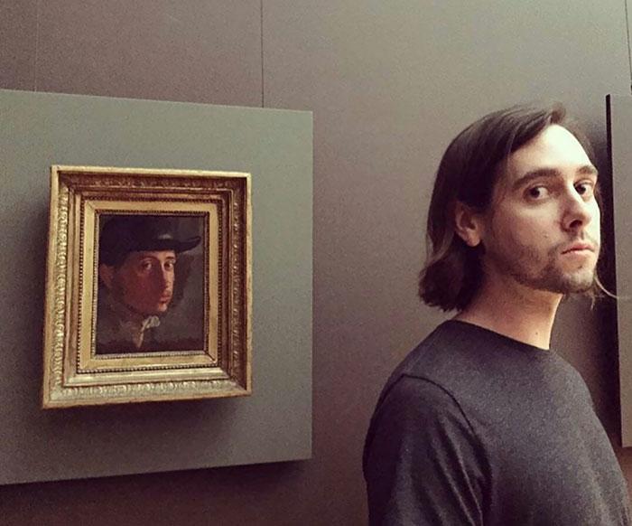 Автор картины «Автопортрет в мягкой шляпе» (1858 год) – французский живописец Эдгар Дега (Edgar Degas).