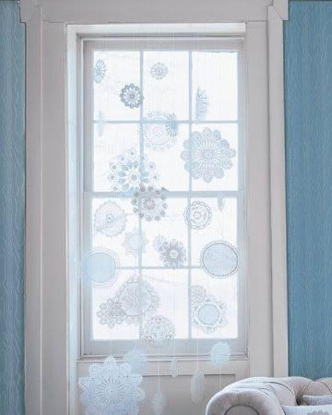 Украшаем дом снежинками (36 фото)