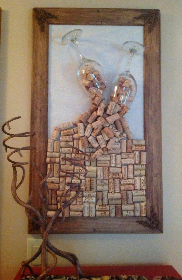 Поделка из пробок от вина на стену