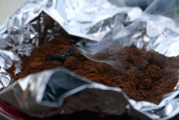 Отработанный кофе от насекомых.
