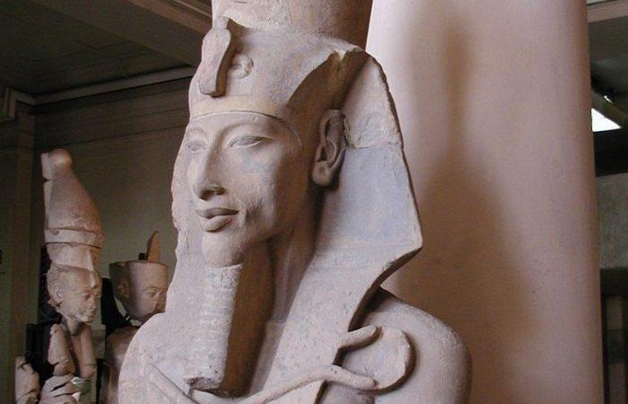 Египетский фараон Эхнатон.