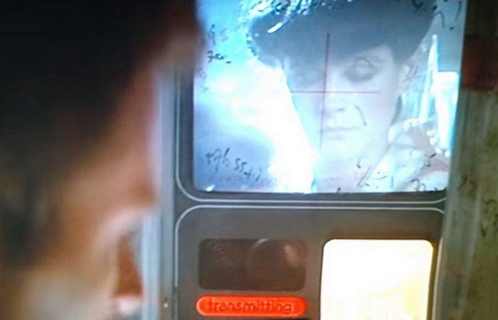Предсказано кинематографом: видеоконференция/видеозвонки.