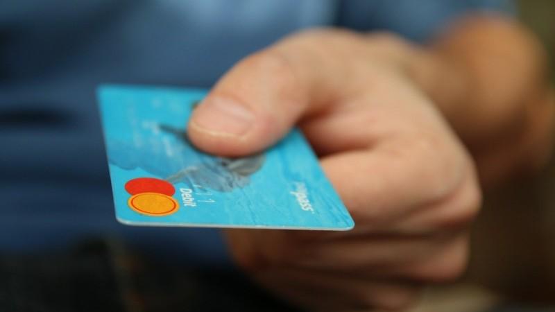 Со скольки лет можно оформить кредит в казахстане