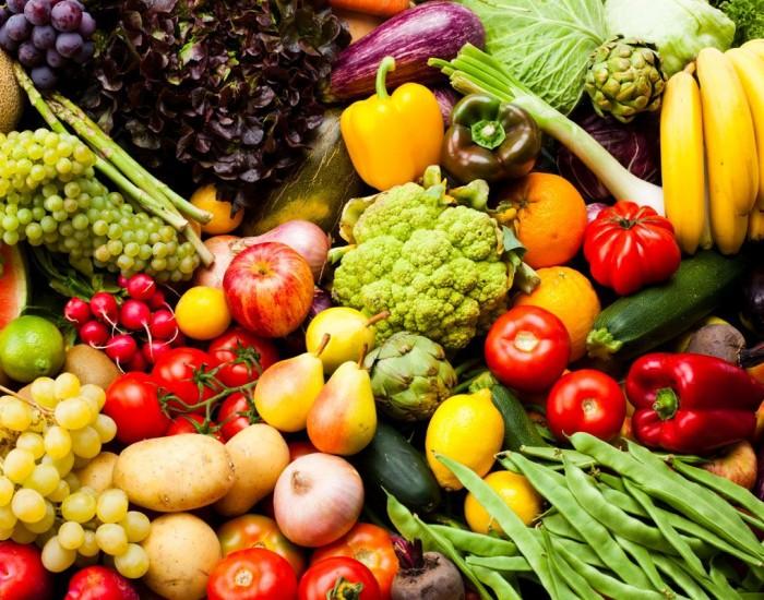 В основе меню детокс диеты - овощи и фрукты.