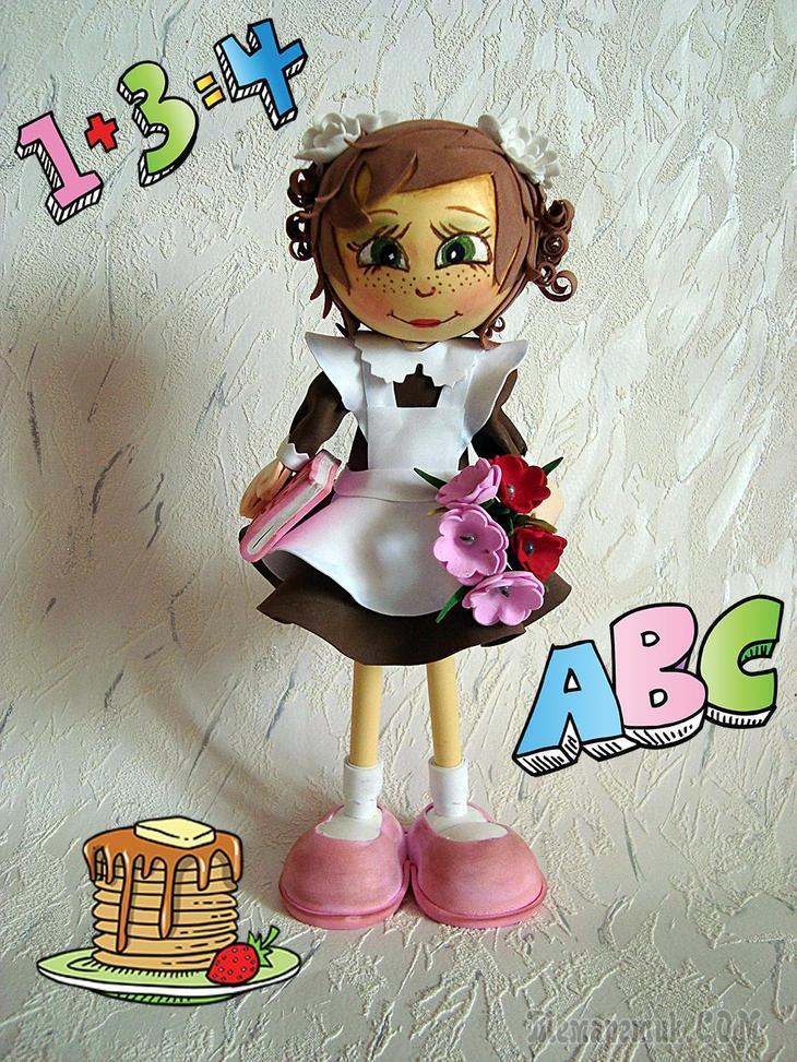 А могут у куклы из фоамерана быть и незатейливые туфельки