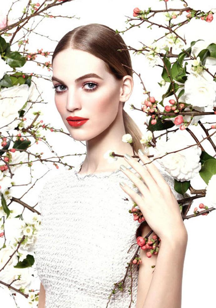 Ванесса Аксент - лицо марки Chanel