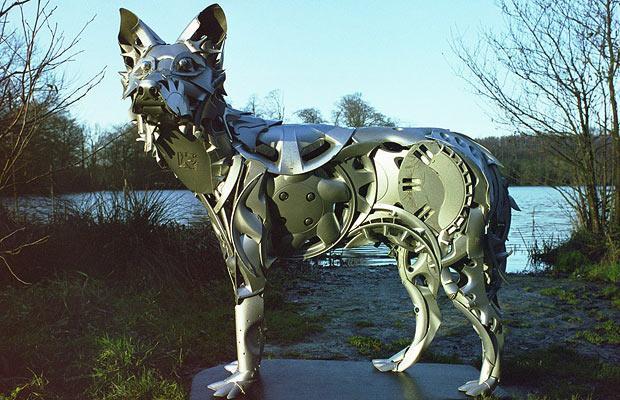 Скульптуры из колпаков для колёс