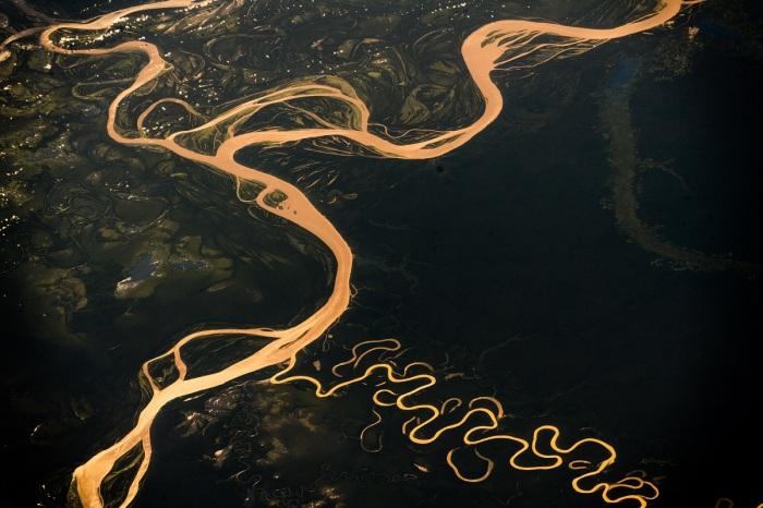 Для Амазонки характерны практически необъяснимые и неожиданные явления / Фото: funart.pro
