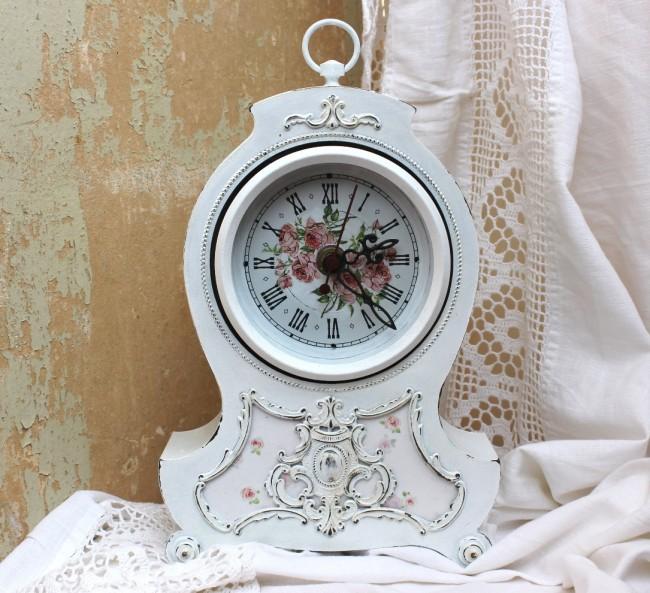 Корпус часов в стиле шебби шик с декупажем мелкими цветочными рисунками