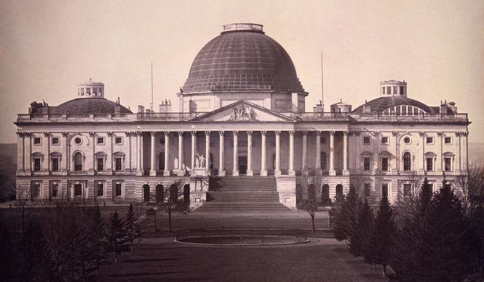 Здание United States Capitol в 1846 г. (Вашингтон, США). | Фото: micccp.com.