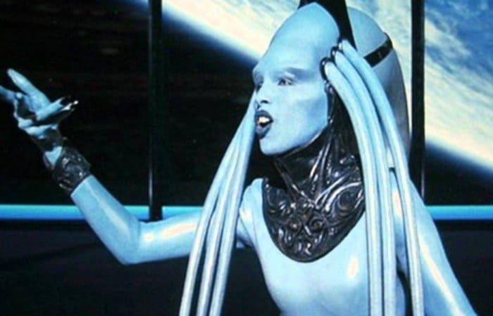 Дива Плавалагуна в фильме *Пятый элемент*, 1997 | Фото: liveinternet.ru