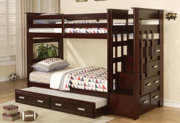 Двухъярусная кровать со множеством ящичков от Lovelace Interiors