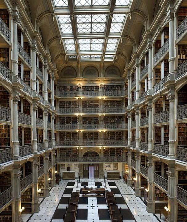 library09 Топ 10 самых красивых университетских библиотек мира