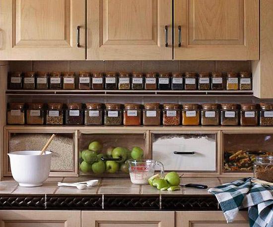 Способы хранения специй на кухне: в ряд на полке