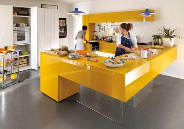Оригинальный рабочий стол на кухне