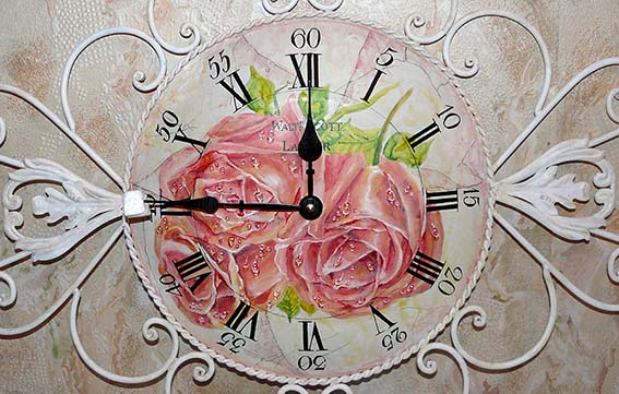 Старинные часы с розами. Акрил