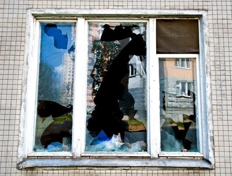 Сон разбитое окно в доме
