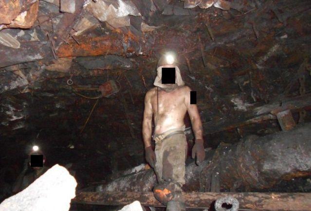 Трудная и опасная работа шахтёра работа, шахта, шахтер, труд