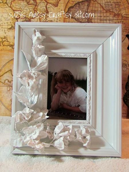 Faux porcelain frame3 450x600 {Guest Post} Faux Porcelain Flower Frame