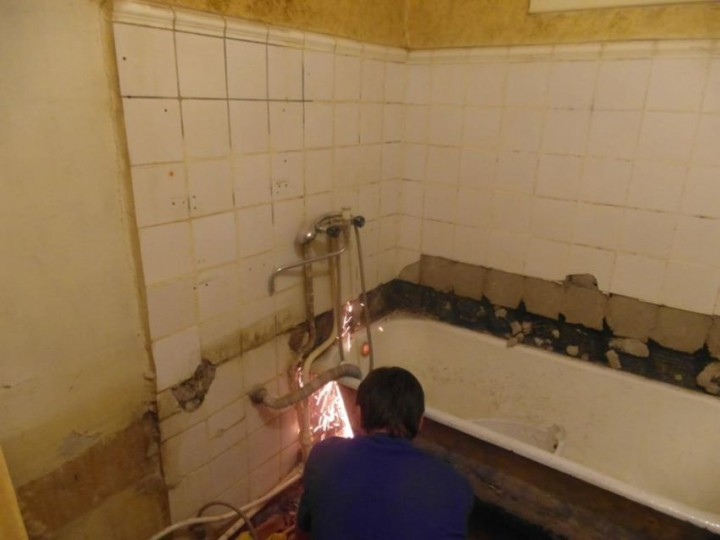 квартире руками ванны ремонт своими в
