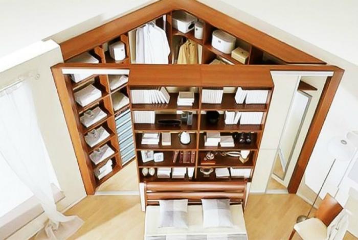 Вместительная угловая гардеробная поможет оптимально использовать, обычно пустующее, пространство.