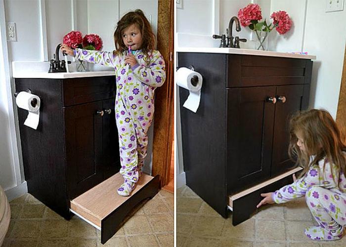 Шкафчик с выдвижной ступенькой.