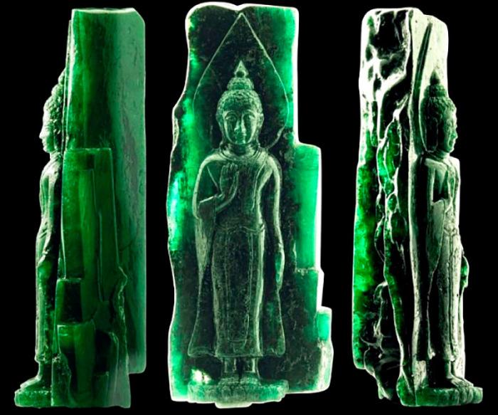 Изначально кристалл весил 3600 карат. Сейчас камень хранится в частной компании